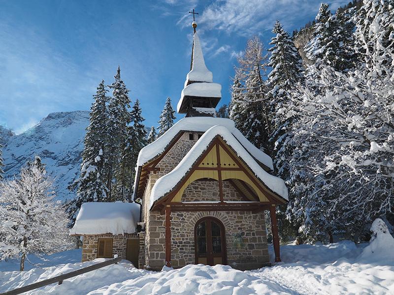 Pragser Wildsee im Winter - Kapelle